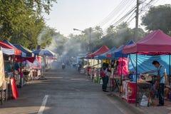 街道食物在摊位,夜丰颂泰国卖了 免版税库存照片