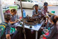 街道食物在缅甸的仰光 免版税图库摄影