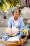 街道食物在Mingun,缅甸 库存照片