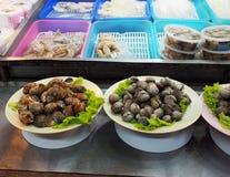 街道食物夜市场在泰国 库存照片