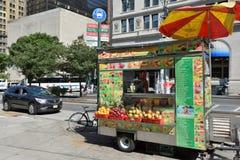 街道食物推车在曼哈顿, NYC 库存照片