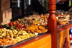 街道食物节日阿尔巴尤利亚 免版税库存图片
