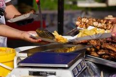 街道食物节日阿尔巴尤利亚 免版税图库摄影