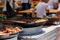 街道食物节日阿尔巴尤利亚 免版税库存照片