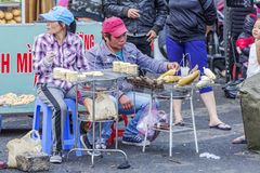 街道食物,大叻市市场,越南 库存图片