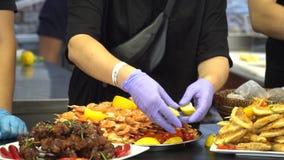 街道食物,快餐,在街道上的快餐 影视素材