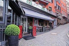 街道餐馆在蒙特勒,瑞士的中心 库存图片