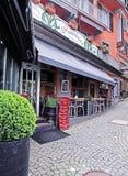 街道餐馆在蒙特勒,瑞士的中心 图库摄影