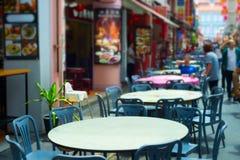 街道餐馆桌 唐人街新加坡 免版税图库摄影