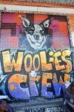 街道画:Woolies乘员组图象在Fremantle 库存照片