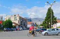 街道Rruga Vilson,圆山大饭店欧罗巴在斯库台,阿尔巴尼亚的市中心 库存图片
