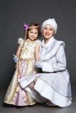 衣服雪未婚的少妇 免版税图库摄影