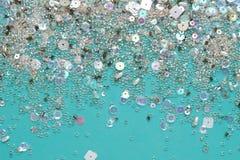 衣服饰物之小金属片和小珠抽象背景 库存照片