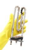 洗衣机的损坏的发热设备在手中 免版税库存照片