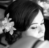 衣物夫妇日愉快的葡萄酒婚礼 免版税库存照片