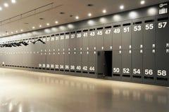 衣物柜现代空间 免版税库存照片