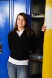 衣物柜青少年学校的学员 图库摄影