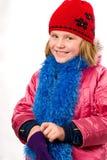 衣裳打扮了女孩我快乐矮小个俏丽的冬天 免版税库存图片
