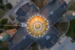 衣阿华状态国会大厦直接顶上的视图 免版税库存照片