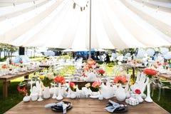 表为婚姻或另一顿承办宴席的事件晚餐设置 图库摄影
