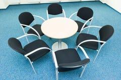 表和六把椅子 库存图片
