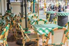 表和椅子在餐馆 库存照片