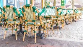 表和椅子在餐馆 免版税图库摄影