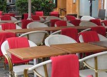 表和椅子 免版税库存图片