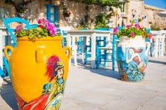 表在一家传统意大利餐馆在西西里岛 免版税库存照片