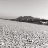 表山和海滩 免版税库存照片