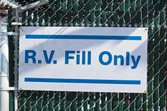 表明的标志水是为R v只填装 库存图片