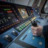 仪表板` s客舱现代高速电力机车EP-2 免版税图库摄影