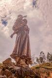 代表母亲的哥伦比亚的雕象用孩子 库存照片