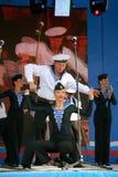 表现艺术家、战士歌曲的独奏者和舞蹈家和西北军区的舞蹈合奏 免版税图库摄影