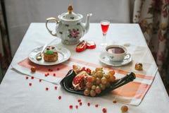 表用被传统化的食物 图库摄影