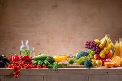 表用水果和蔬菜 库存图片