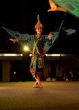 表示半人力高棉的鸟舞蹈传统 图库摄影
