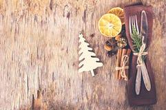表设置了与一个冬天,圣诞节装饰 库存照片