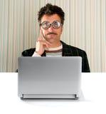 表达式玻璃膝上型计算机人书呆子沉&# 库存照片