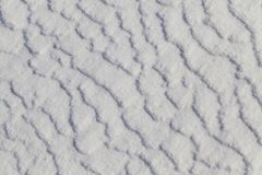 表面随风飘飞的雪,冬天 图库摄影