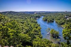 表Rock湖在密苏里西南部的布兰松 库存图片