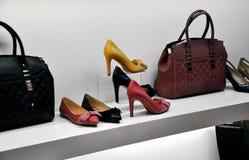 袋子和鞋子 免版税库存图片