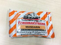 袋子渔夫有橙色味道的` s朋友 免版税库存照片