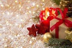 袋子看板卡圣诞节霜klaus ・圣诞老人天空 出现蜡烛和decoratipon 免版税库存图片
