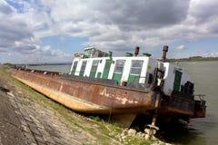 被中断的船 库存照片