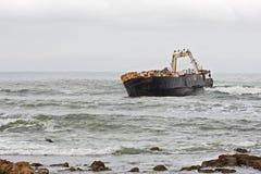 被中断的船 库存图片