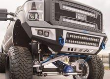 被举的卡车,专业设备市场协会SEMA, Las 免版税库存照片