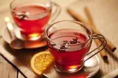 被仔细考虑的热甜酒酒 免版税库存照片