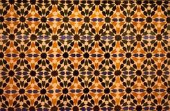 被仿造的色的瓦片在阿尔罕布拉宫,格拉纳达,西班牙 免版税库存图片