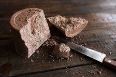 被供气的巧克力被终止的大片断  库存图片